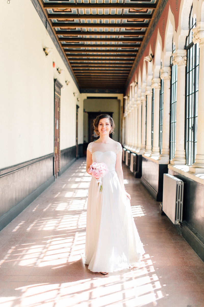 Wedding in an old school - By Andreea Alexandroni
